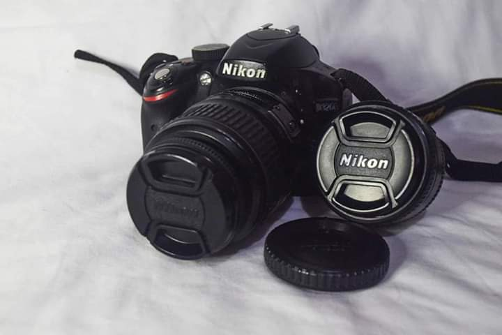 GUUUYS FOR SALE NIKON D3200!!!!  May standard and prime lens na dn 12k, NEGOTIABLE! <br>http://pic.twitter.com/doFdLHHAxM