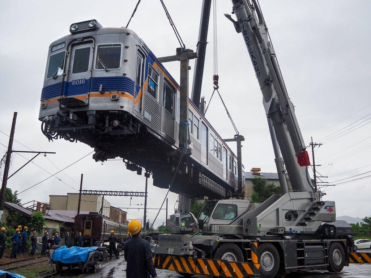 【新車'6000系'をお迎え!】大鉄に新たに電車が仲間入りました。21000系電車と同じ南海電鉄の高野線を走っていた6000系電車です。ステンレスの車体が輝く新顔をどうぞよろしくお願いします!