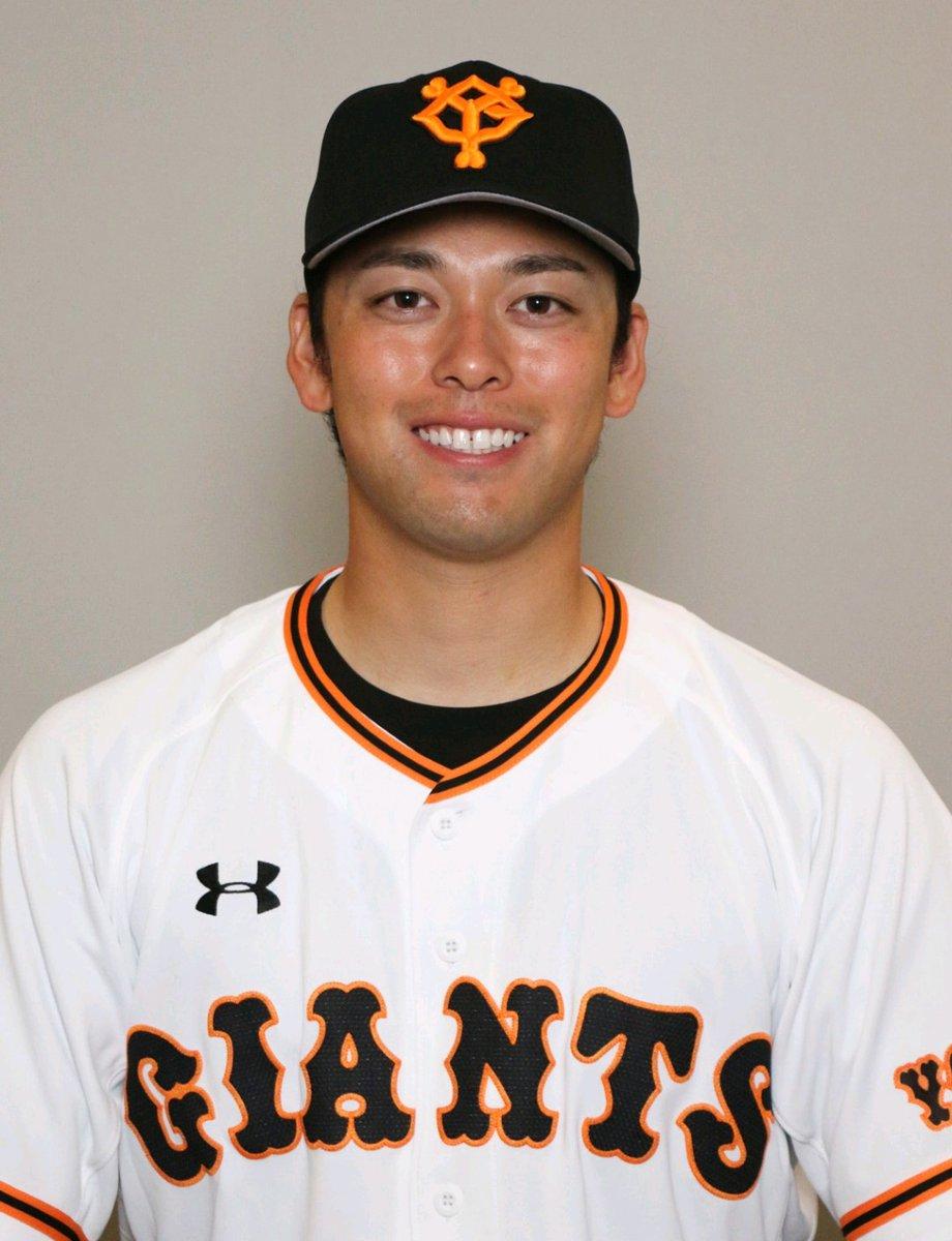 巨人高梨雄平投手球団が公式顔写真を配信笑顔、正面、斜め