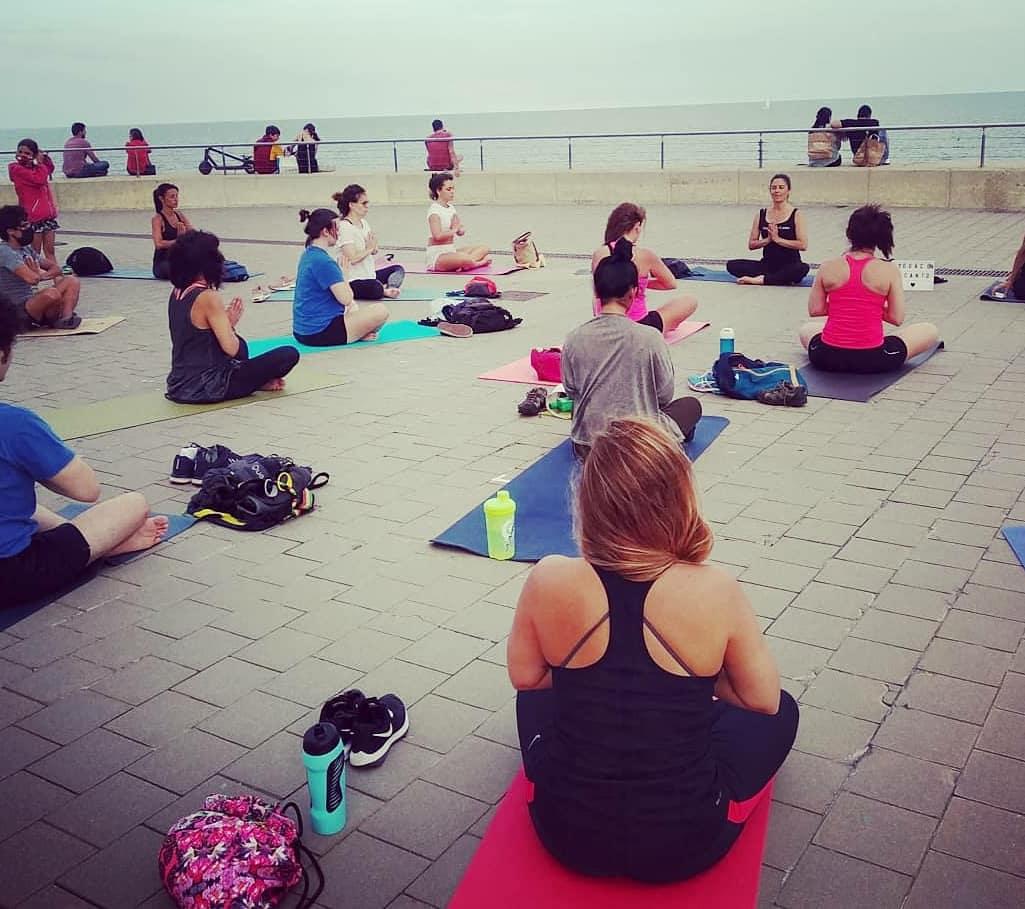 Rebosantes de alegría y gratitud, damos por inaugurada a ®Yoga con enCanto.  ¡Gracias a todxs por hacerlo posible! #Namaste  #YogaconenCanto #FusiónYogaÓpera #Yoga #Ópera #MúsicaEnDirecto #NuevaExperiencia #NuevasSensaciones #Vibra https://t.co/yVkOHLxuT8