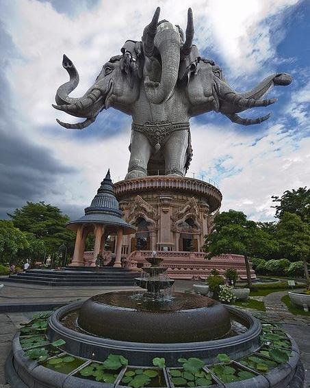 #erawanmuseum #thailand #travel #epictouristspots #traveldestination #touristspot #thailandtravel #amazingthailand #tourism #asiatravel #holidayplans #travelawesome #discoverthailand #travelthailand #traveler #traveltheworld #travelphotography #thailandtrip #erawanmuseumthailandpic.twitter.com/sEAo2cGtru