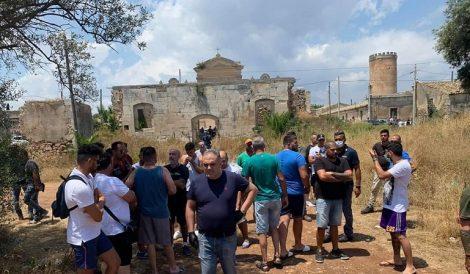 """Emergenza migranti a Cassibile, in cento si recano alla baraccapoli, """"dovete andarvene"""" - https://t.co/pq3UXyjjdA #blogsicilianotizie"""