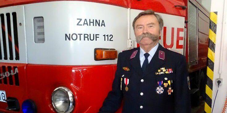 Zahna: Harry Wolf gibt Funktion als Bereichsleiter vorbeugender Brandschutz in der Stadtwehrleitung ab. Sein Engagement für die Feuerwehr hält er aufrecht. (MZ+) https://t.co/YdKjrk0ijq https://t.co/L6e9SZqNGK