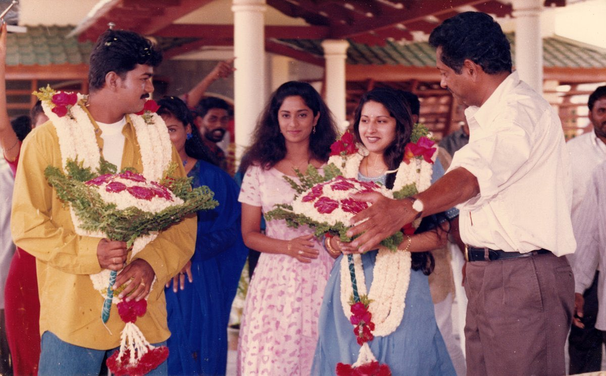 #Throwback - Thalapathy Vijay, Sangeetha Vijay and Shalini Ajith    Any guess about which movie shooting spot this is?    #Master @actorvijay <br>http://pic.twitter.com/HQ855gfj4s