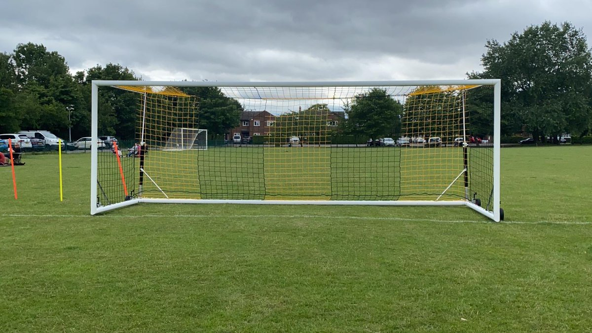Hardwick FC are looking for new players for the upcoming season!  with 2 teams in the Senior B & Mead Plant 3 and a great dressing room atmosphere and social scene this is a great club to join in the Cambridge area.  Dm if interested or join us for training Sat @ 10am on the Rec <br>http://pic.twitter.com/g4HoGwgDR5