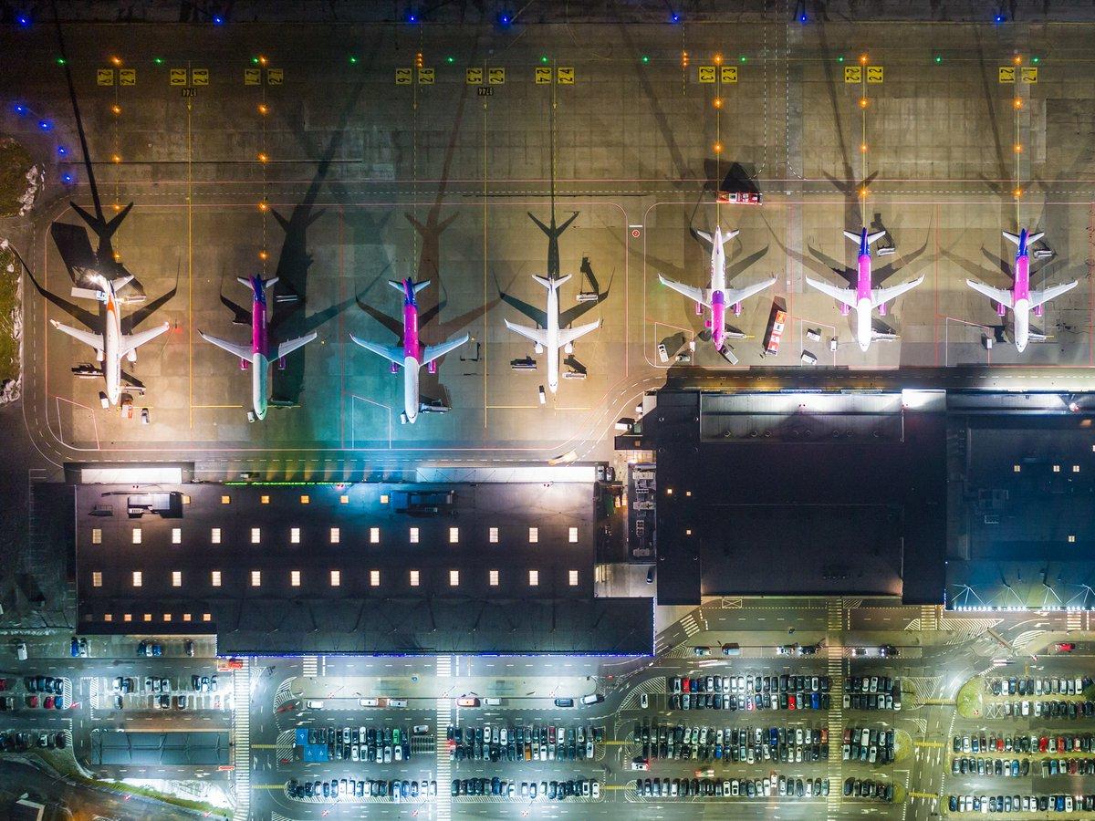#TanieLoty LOT wznawia loty z Katowic do Warszawy - https://t.co/cveKETJsIf https://t.co/CAyEd3hoAj
