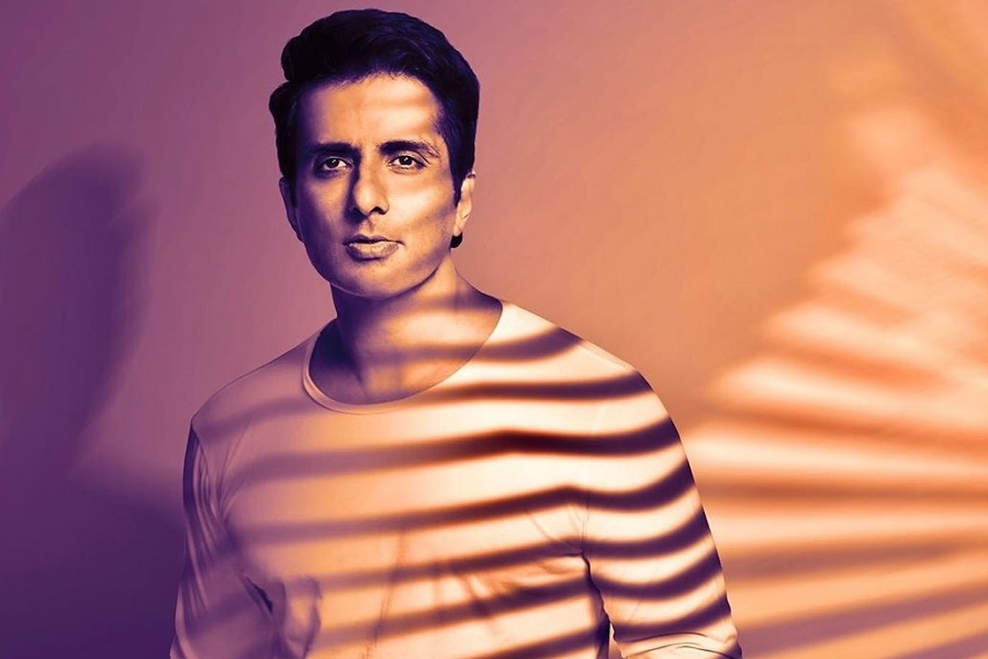 Sonu Sood to write book on experience of helping migrant workers  http://ohwomen.in/post/sonu-sood-to-write-book-on-experience-of-helping-migrant-workers/44816238…  #CelebTalk #Bollywood #SonuSood pic.twitter.com/kzT8FWRp7W