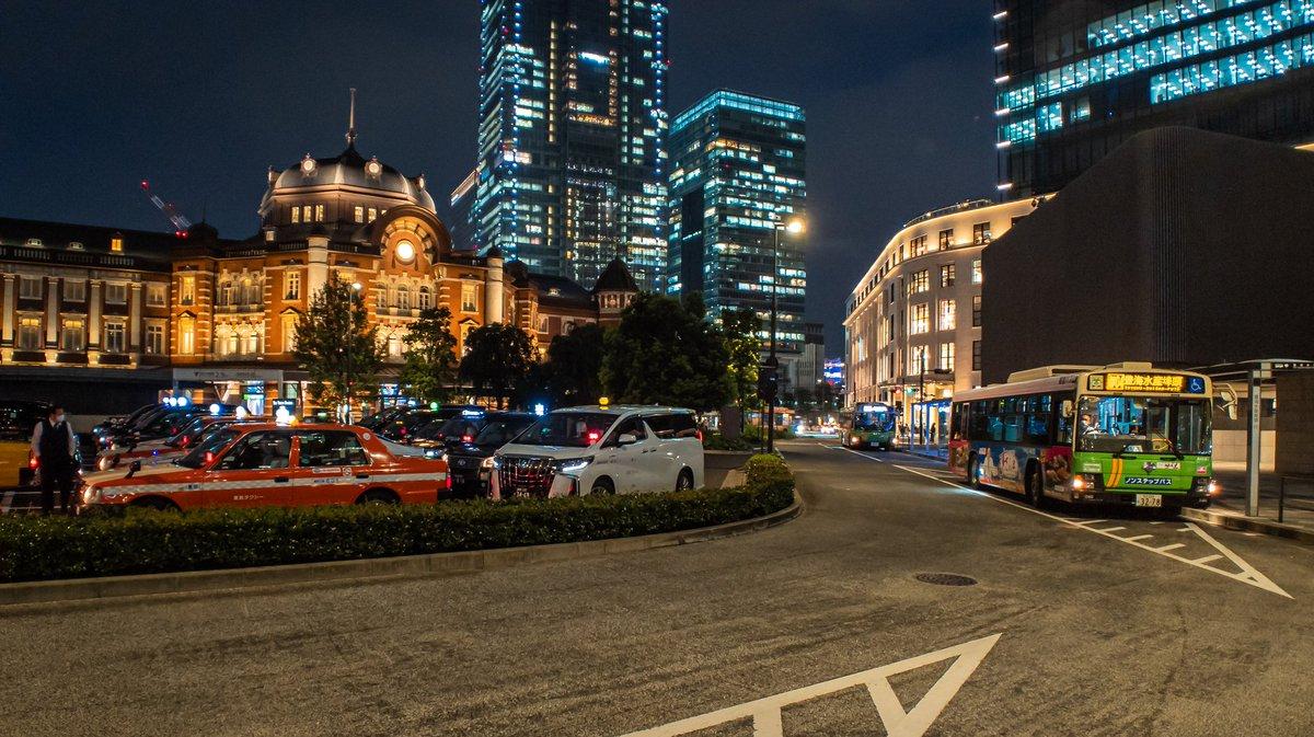 スマホカメラで東京駅周辺を切り取る