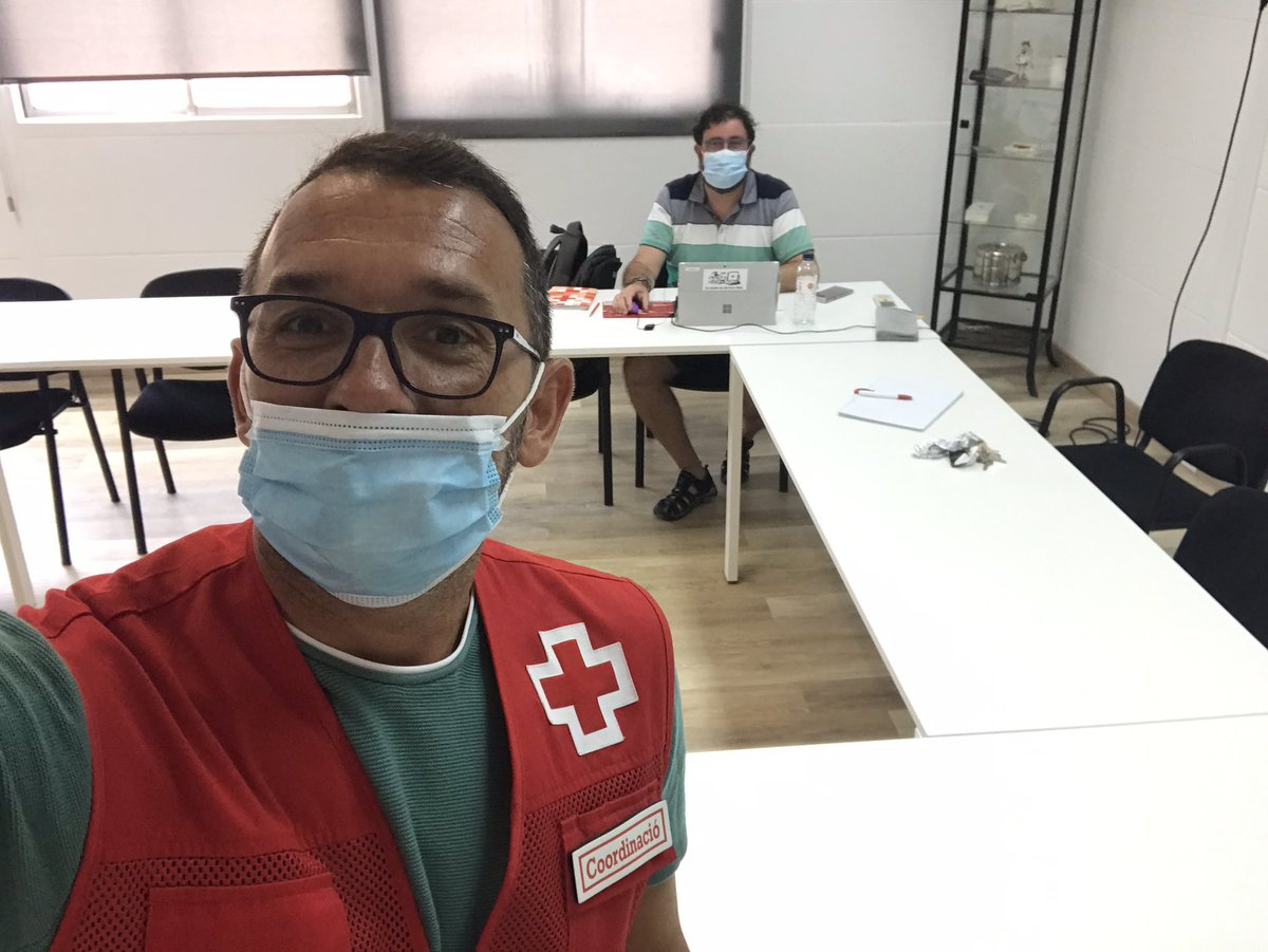 Preparant un pla especific d'intervencio amb Creu Roja L'Hospitalet! @CreuRojaLH @alfonsmolons #Hospitalet #COVID19 #CruzRojaResponde pic.twitter.com/Zg9bBFJlFg – at Creu Roja L'Hospitalet
