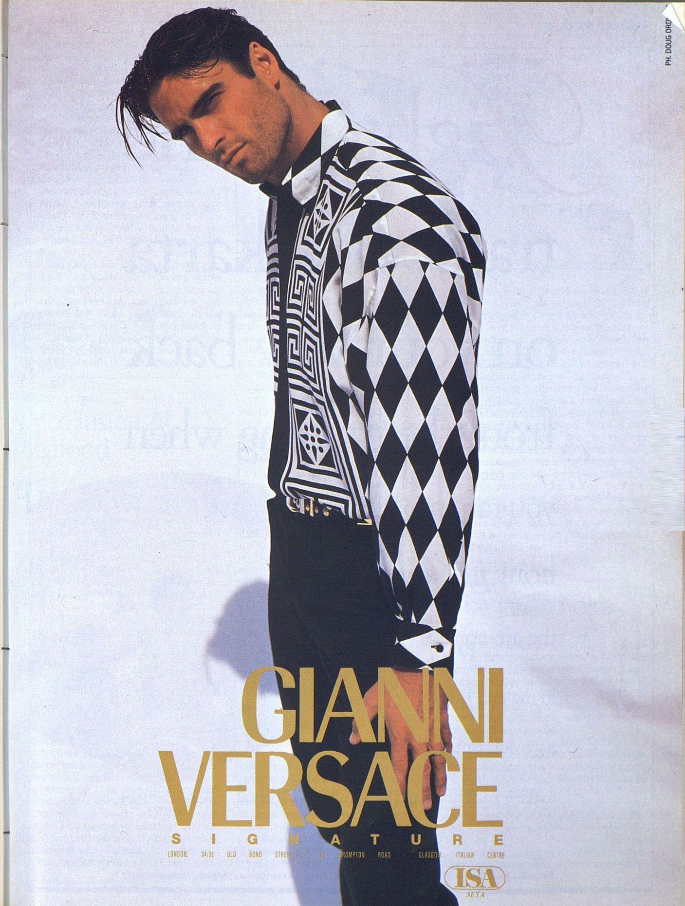 1997年的今天,意大利时尚设计大师范思哲遇刺身亡。-书迷号 shumihao.com