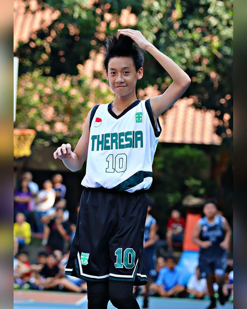 #basketballplayer is always hot dude!  Their scents is good too, even less after a match + they're #sweaty  Just like this boy. He's Indonesian btw. pic.twitter.com/O6SnugO8RU