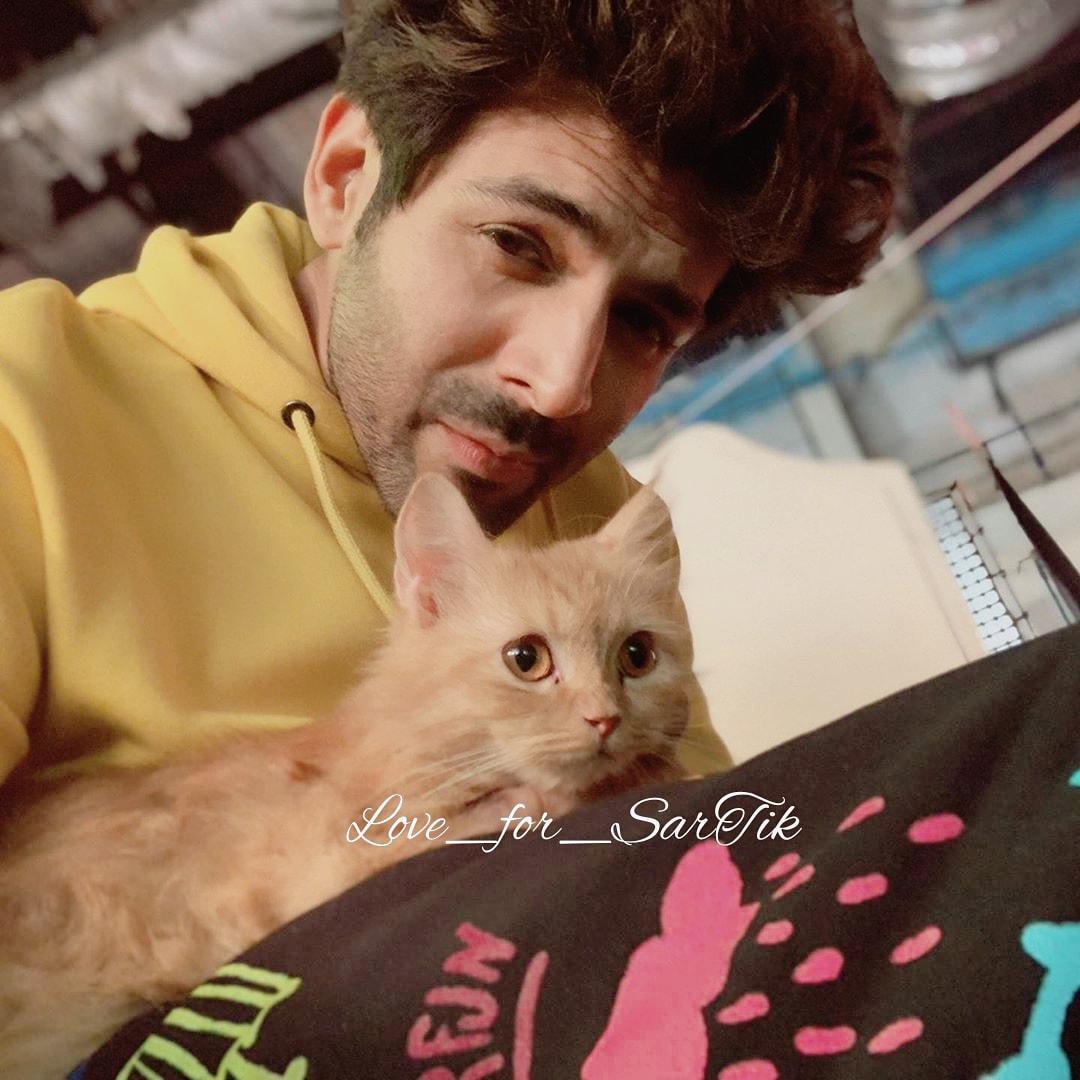 Too much Cuteness together Cutest Kokipie @TheAaryanKartik #KartikAaryan pic.twitter.com/PLs5se6x1o