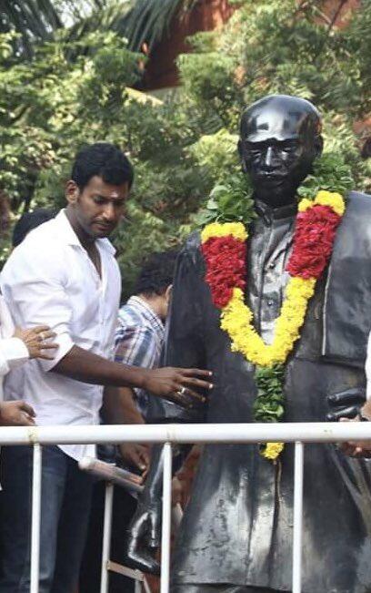 The MAN who brought the Mid-Day Meals scheme....Till date we still miss U  Happy Birthday Kamaraj Ayya....GB  #HBDKamarajar #காமராஜர் #HBDFatherOfEducation https://t.co/5b9B8BXapE