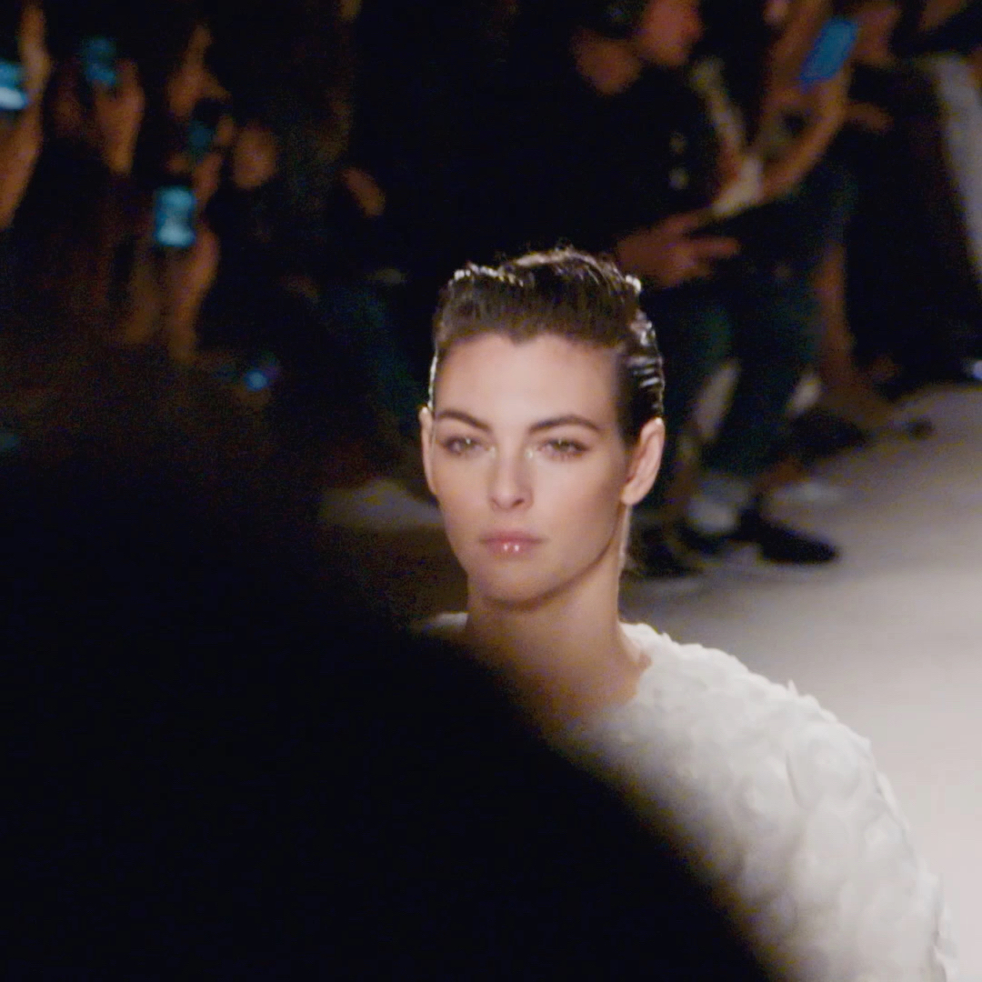 Behind-the-scenes with Vittoria Ceretti on the day of the Paris – 31 rue Cambon 2019/20 Métiers d'art show. Film produced by Sofia Coppola and directed by Roman Coppola. #CHANELMetiersdArt #CHANEL See more on https://t.co/7ZWro7NvUH https://t.co/Bhc64d6JOP