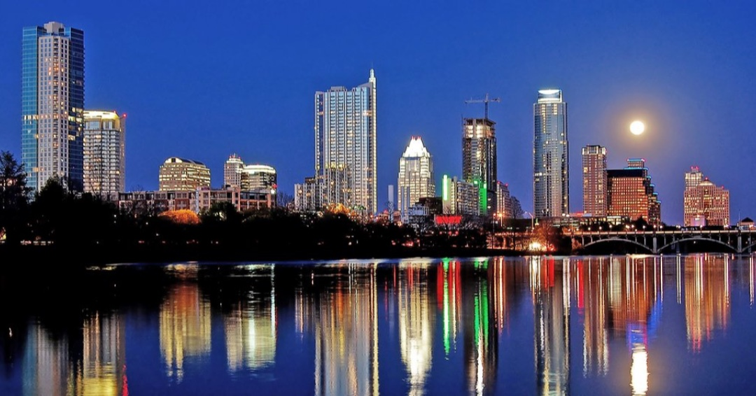 I really can't tell which one is better, Austin by night or Austin by day! ❤️  #austin #love #bestcity #texas