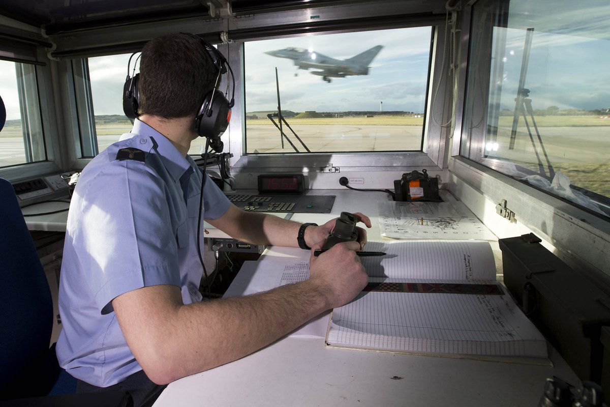Air Traffic Controllers at RAF Lossiemouth, and at @RAFSwanwick and @NATS help route traffic around our Typhoons, enabling us to head towards the potential threats as quickly as possible.   This makes life much easier for the Battlespace Managers at @RAFBoulmer!  #QRA 6/8 https://t.co/m54q8dzuVl
