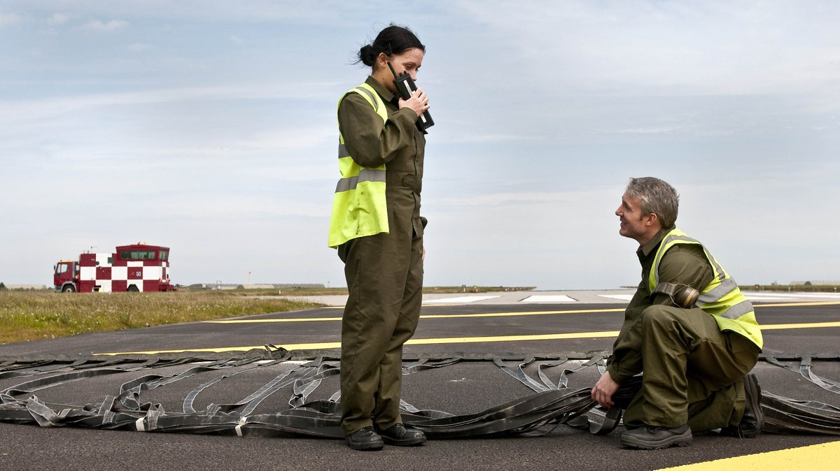 💪 The whole team at RAF Lossiemouth have a part to play with every scramble, from the pilots flying the missions to the personnel involved in Operations Support and Logistics.   They all contributed today towards delivering another successful QRA mission.  #QRA 7/8 https://t.co/Gr3YKHJdUr