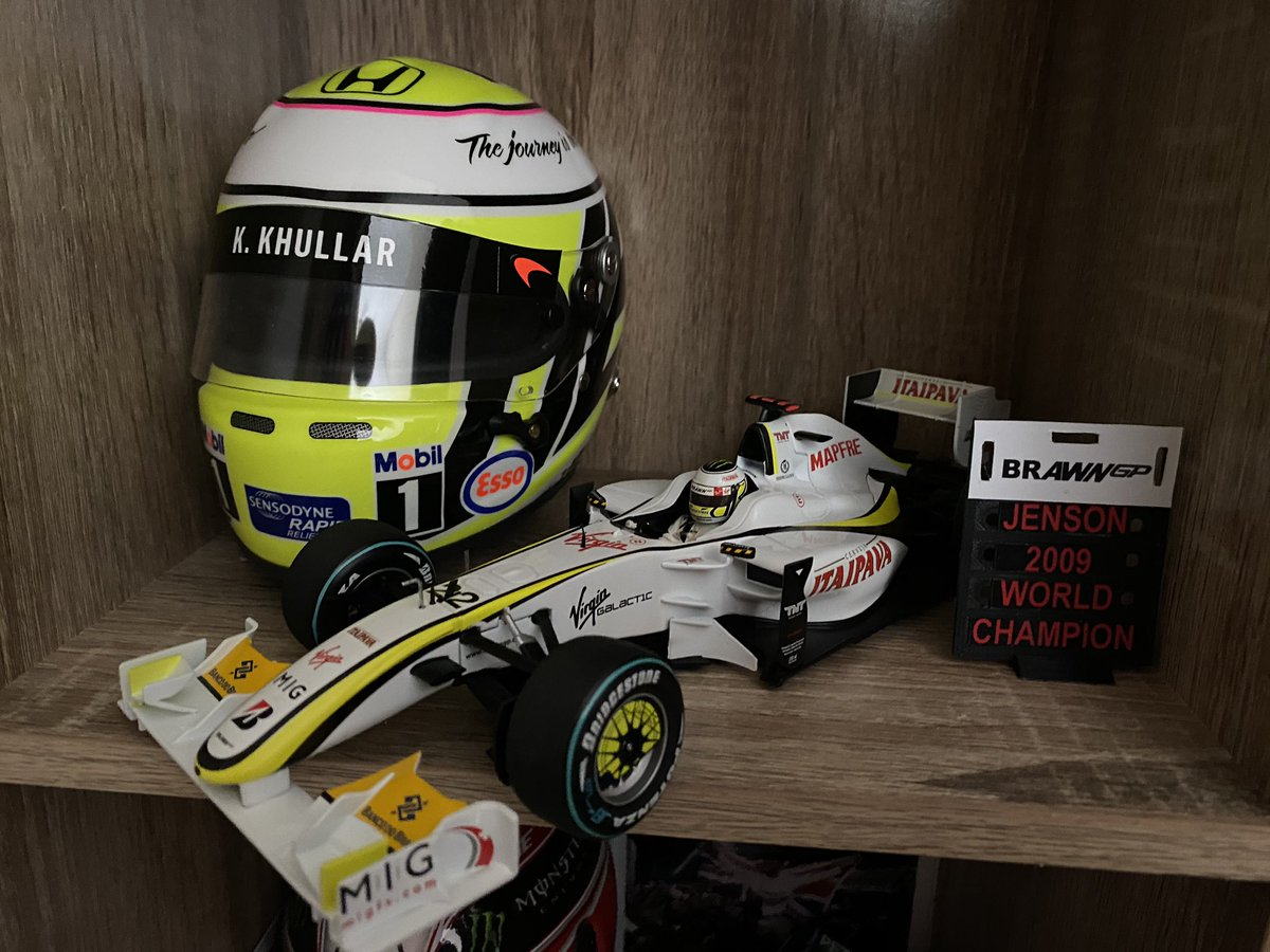 Latest arrivals...  Jenson Button's 2009 Brazil spec 1/18 Brawn GP001 and his helmet from Abu Dhabi 2016   How long before this account becomes 100% diecast content?  pic.twitter.com/2bN4550pNI  by Jacko