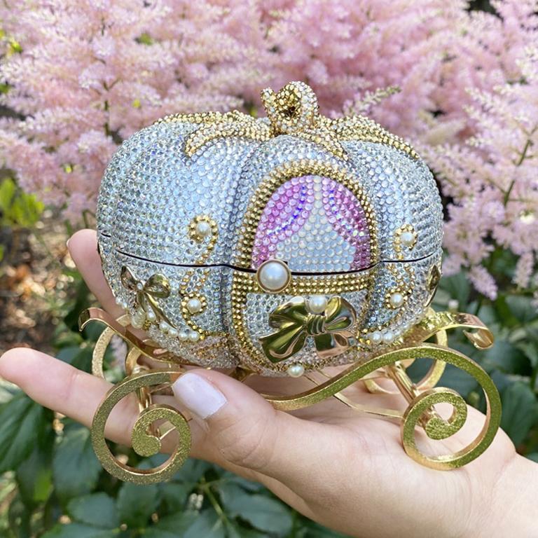 A ride fit for a princess   Photo credit: @Jana.Matheson #JudithLeiberCouture #DisneyxJudithLeiber https://t.co/0NIgIR0Y8J
