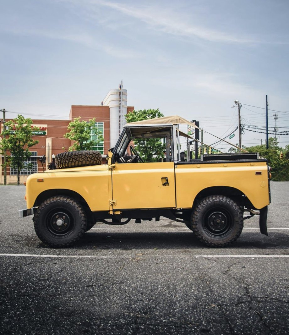 Grab your summer bikini hood for all Land Rover models in different colour variations on our website here: https://www.exmoortrim.co.uk/catalogsearch/result/?q=bikini+hood…  #exmoortrim #goanywhereincomfort #landrover pic.twitter.com/S6JgQmIJqE