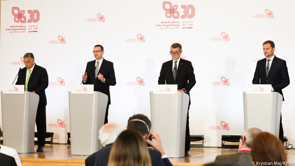 """#Poland takes over the presidency of the Visegrad Group. It is a symbolic day. We will work on strengthening the role of #V4 throughout Europe"", said PM @MorawieckiM. #PLV4Pres #BackOnTrackpic.twitter.com/3WXrIeTXQv"