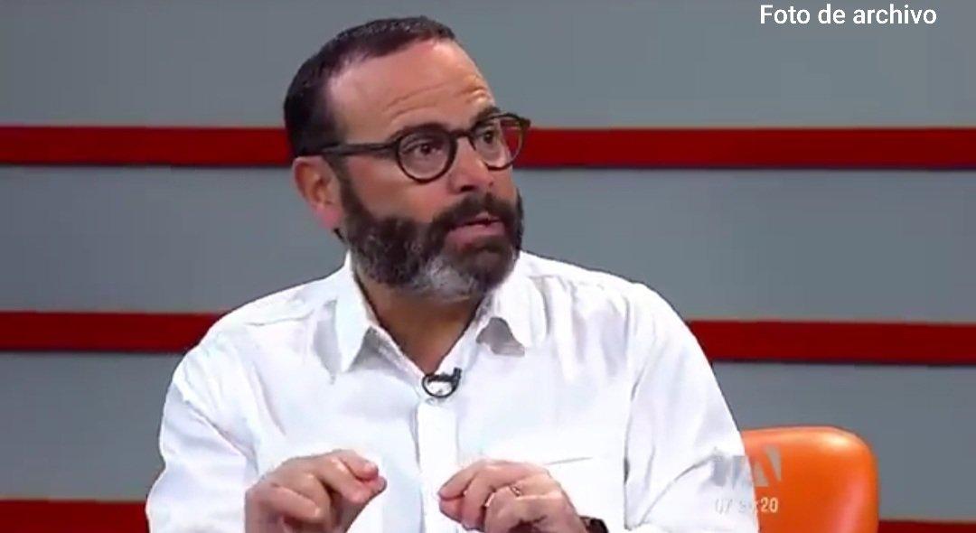 [AHORA] 💻 @JorgeWated, presidente del Consejo Directivo del IESS, en entrevista vía telefónica, con radio @PublicaFM, informa a la ciudadanía, sobre los retos de institución, frente a la emergencia.  [En Vivo] ➡️ https://t.co/b9TIvKKfQA  #ActivadosPorLaSalud #NuevoComienzoIESS https://t.co/EKCiVrnGPY