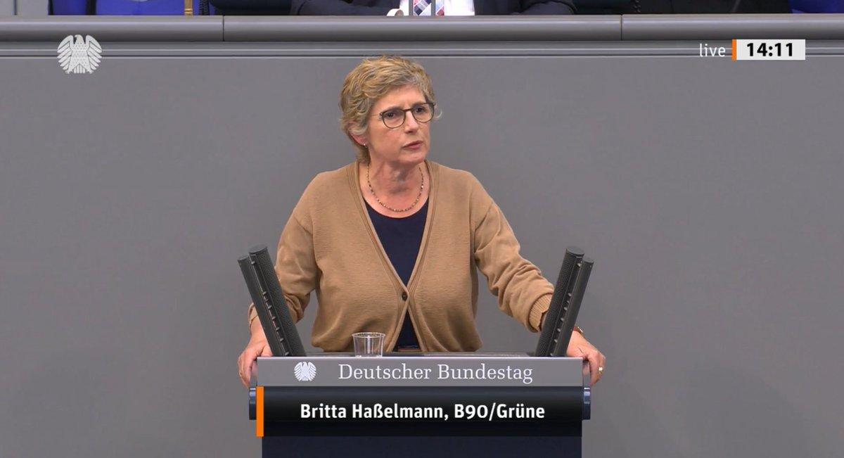 Was die CDU/CSU und die SPD aufführen ist ein Trauerspiel. Es ist verantwortungslos & zeigt die Handlungsunfähigkeit dieser Koalition. Es könnte unter der Überschrift stehen: Sie wissen nicht, was sie wollen. Und deshalb tun sie nichts. - @BriHasselmann zur #Wahlrechtsreform https://t.co/Ly9WM3L67P
