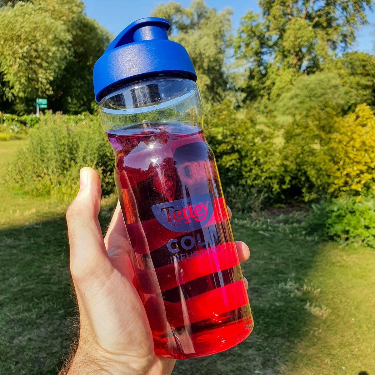 2 litres is easy when you can add a little fruitiness with Cold Infusions 💦 https://t.co/tZyb5JoyV9