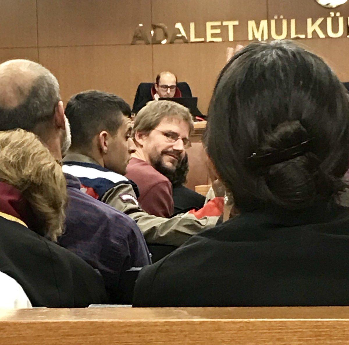 2016 war ich als Prozessbeobachter im Verfahren gegen Peter Steudtner in Istanbul. Heute ist er endlich freigesprochen worden. Leider sind #TanerKilic (Amnesty-Turkey) und weitere Menschenrechtler*innen im obskuren #BüyükAdaVerfahren verurteilt worden! Daher keine richtige Freudepic.twitter.com/l4s6MKR12K  by Özcan Mutlu