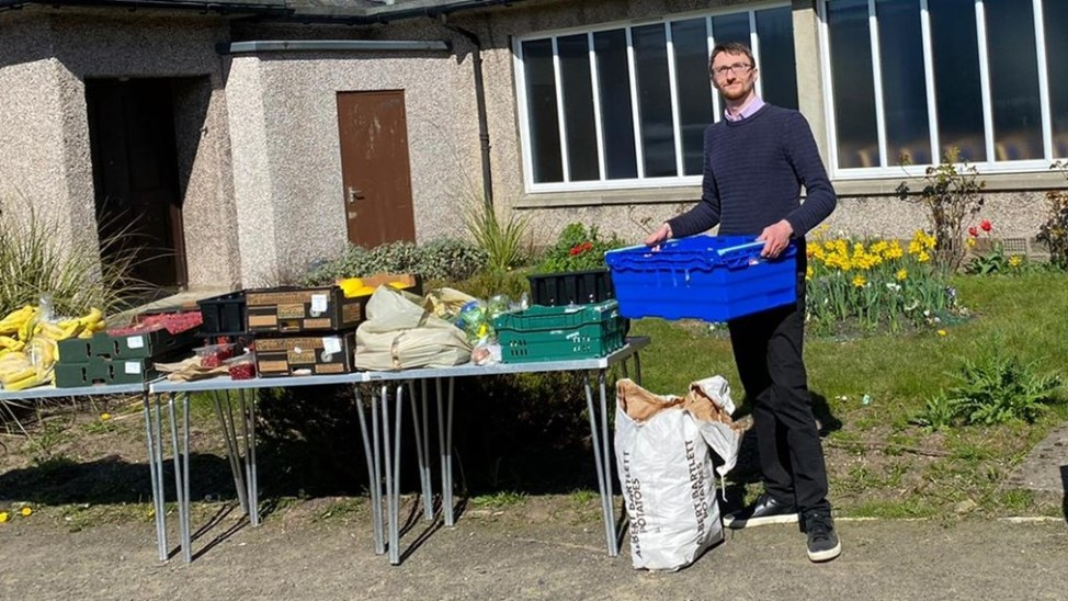When the coronavirus crisis started impacting those most vulnerable in one of the city's most deprived areas, University student Neil Campbell coordinated emergency food provision for those most in need.    Read more - https://t.co/XzDtI7XB2Y   #WeAreTogether #ProudToHelp https://t.co/95ezu7UKcK