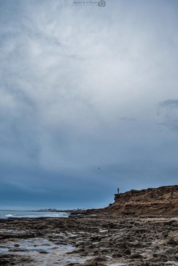 Los acantilados de Bahía de los Vientos   #BuenViernes #NecocheaDesdeTuCasa 🏠 #ViajaMañana  📷 Agustín de la Fuente https://t.co/qpSjE7WoAp