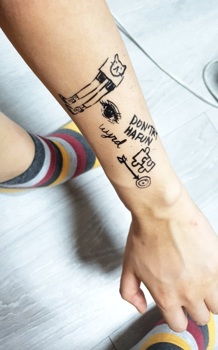 I doodle on my arms because i change my mind daily about tattoos I wanna get 🙈💞💞