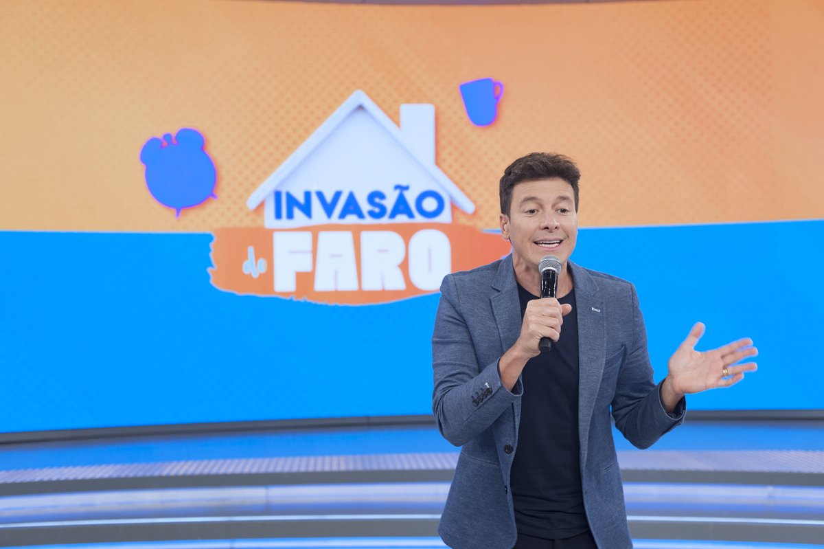 Tem #InvasãoDoFaro neste domingo (5). No #HoraDoFaro, Jojo Todynho vai ser surpreendida por uma invasão virtual em sua casa de Rodrigo Faro. ✨😘 Não vai faltar diversão, a partir das 15h15 na #RecordTV. https://t.co/r7Ym9xcS53