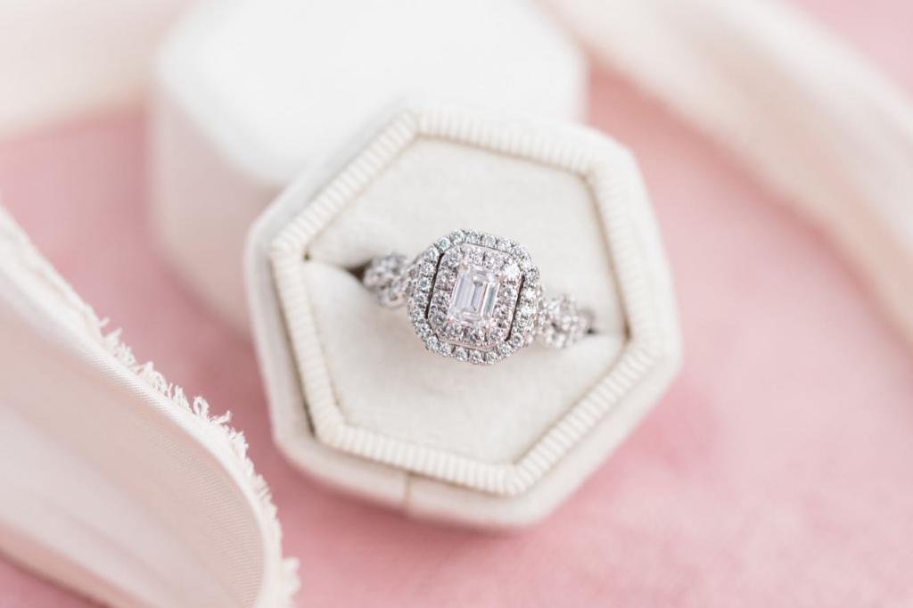 All of love's passion and promise shine in that one special design. Find the perfect engagement ring for the one YOU love at Zales. #LoveZales 📷: kimhymesphotography https://t.co/K9LSwHRomL