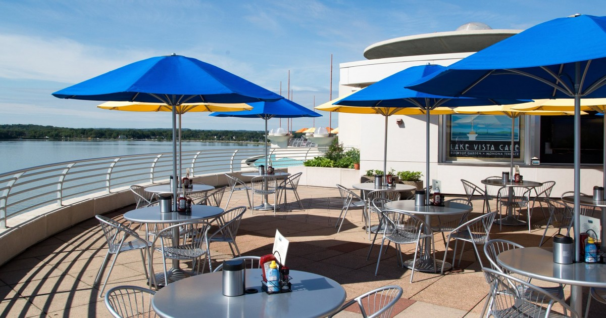 Looking for a great meal, with a water view, where you can physically distance outdoors? Our rooftop Lake Vista Café is now open for carry out, Mon- Sun 11 am - 4 pm. Take your meal to go and dine nearby at our rooftop gardens. Menu and details: mononaterrace.com/experience-mon…
