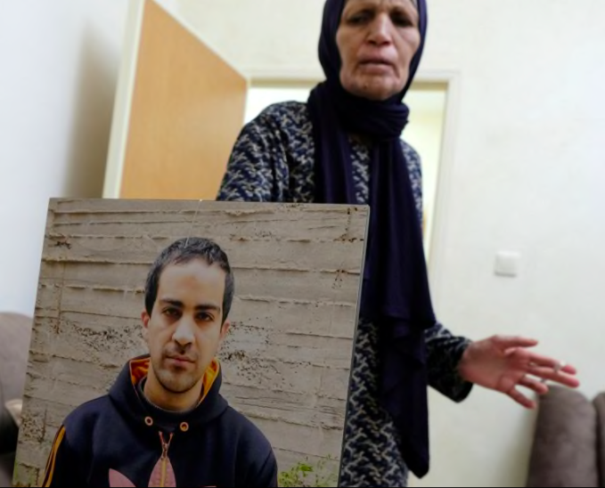 Eyad Al-Hallaq, the 32 year old autistic Palestinian man who was murdered by Israeli police in Jerusalem a month ago, has still not got justice. The toll his murder has taken on his parents is heartbreaking. They still havent got justice. Read this: haaretz.com/israel-news/.p…