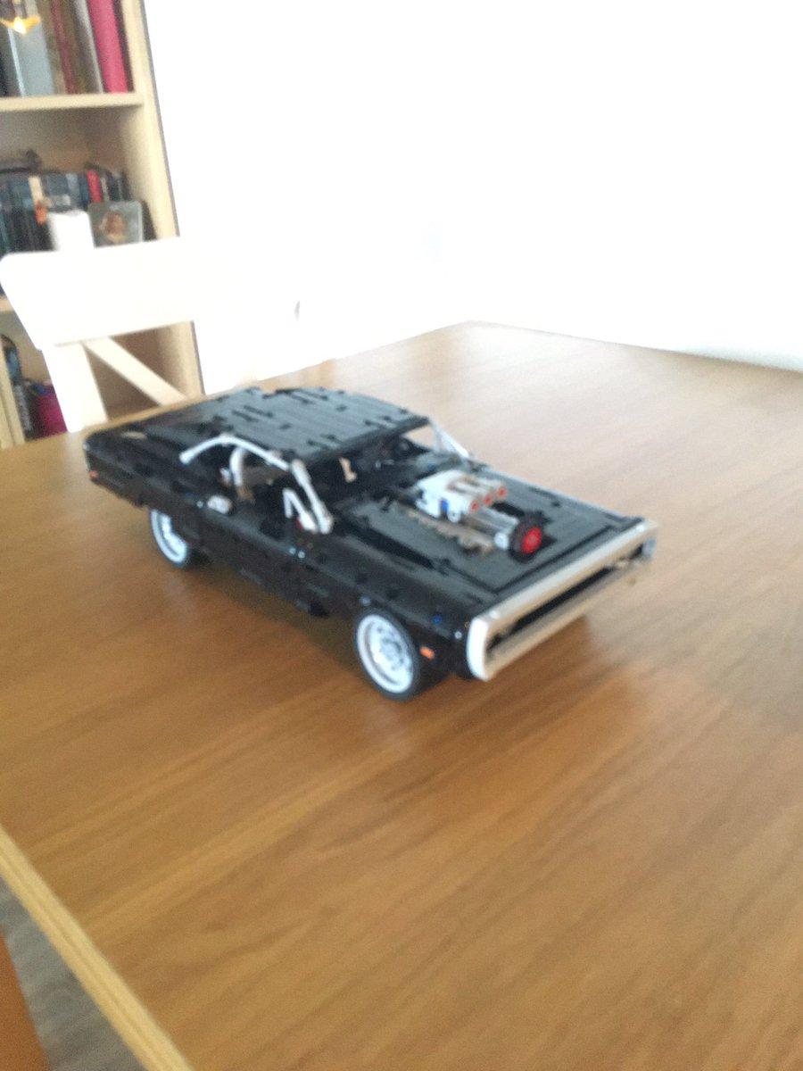 Da ble jeg ferdig å bygge Dom Toretto's Dodge Charger 😊 #lego #legotechnic https://t.co/XmhMkVCvWc