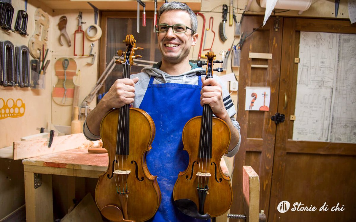 These are a bit sad days for the news I heard about the #coronavirus. Let's try to stay careful and smile even when things are not going very well. We always seek #beauty and #harmony.  #workshop #violin #viola #handmade #viralveneto #smile #becareful #veneto #musicpic.twitter.com/4kHGCjGQut