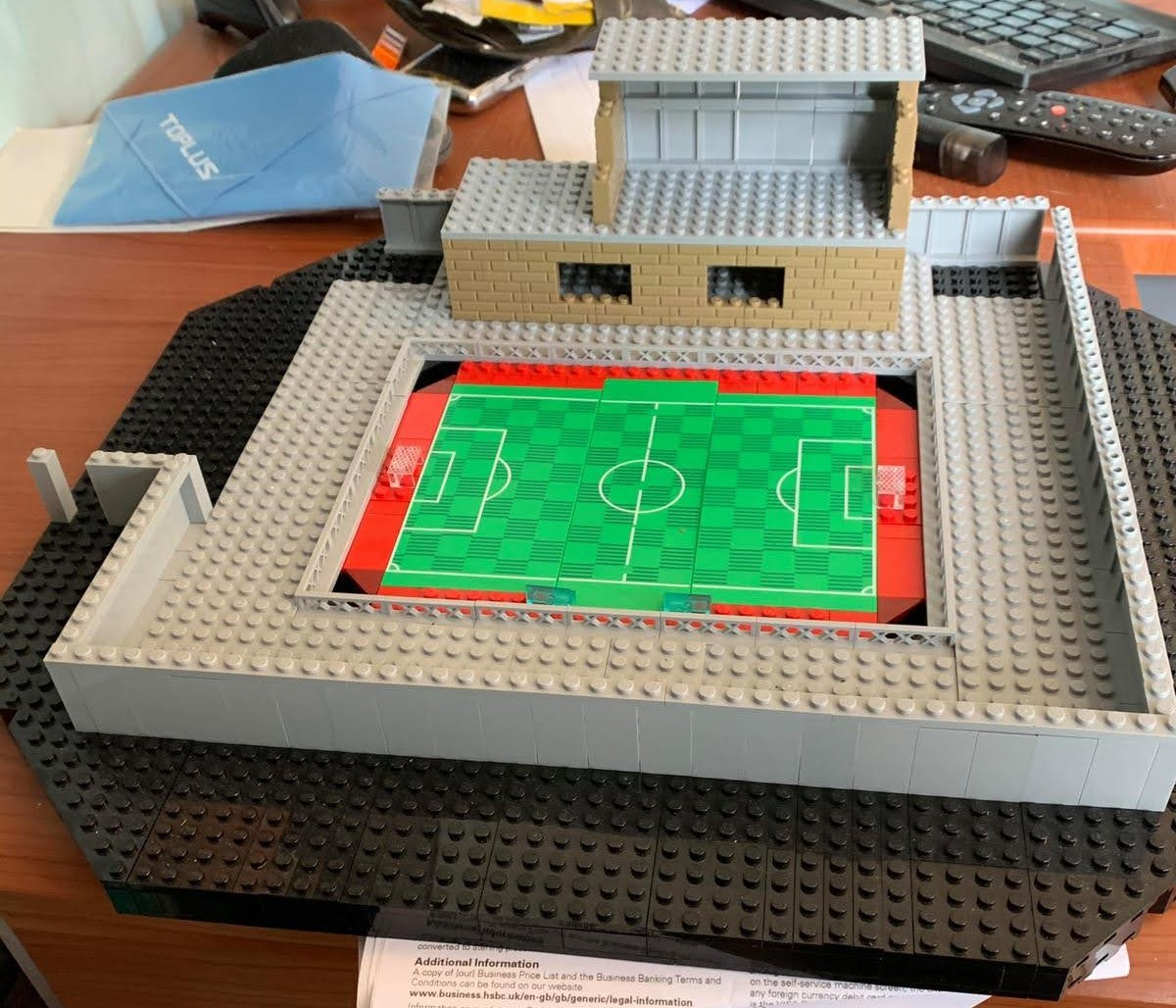 We've all had a lot of time on our hands, and mega-fan Rob decided to put it to good use and construct a Lego version of The Crucial Environmental Stadium!  #WeAreWorthing 🐟🔴 https://t.co/JRMatXiBPV