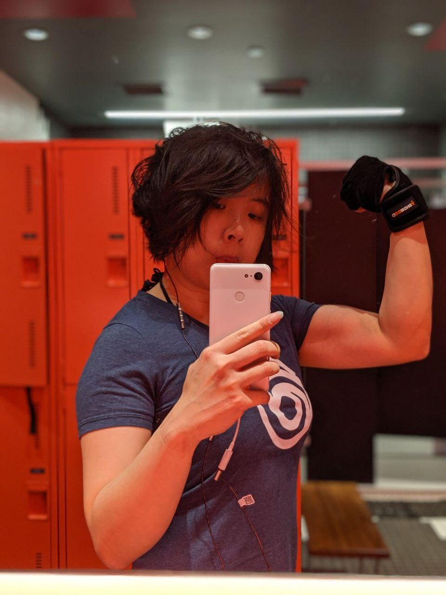 *cough* Abby's physique in #tlou2  is inspirational, not unrealistic.  *cough* Women who are buff and who want to get buff are absolutely a thing.<br>http://pic.twitter.com/zsILvBLrof