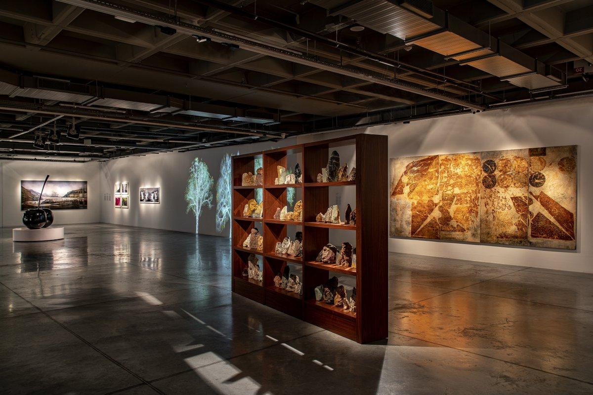 '@istanbulmodern_'in yenilenen koleksiyon sergisi, Beyoğlu'ndaki geçici mekânında sanatseverlerin beğenisine sunuldu. https://t.co/2RTM2KMX1m https://t.co/o7jtaGzyXQ