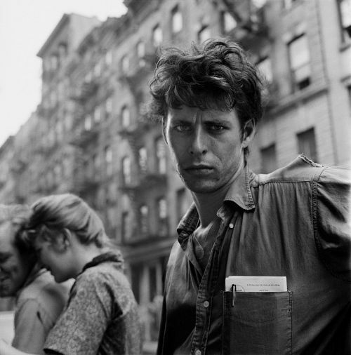 Reading: the-night-picture-collector:Larry Fink, The Beats, Late 1950s on @Inoreader. https://t.co/kt2f030kJg https://t.co/OwR24fp03h