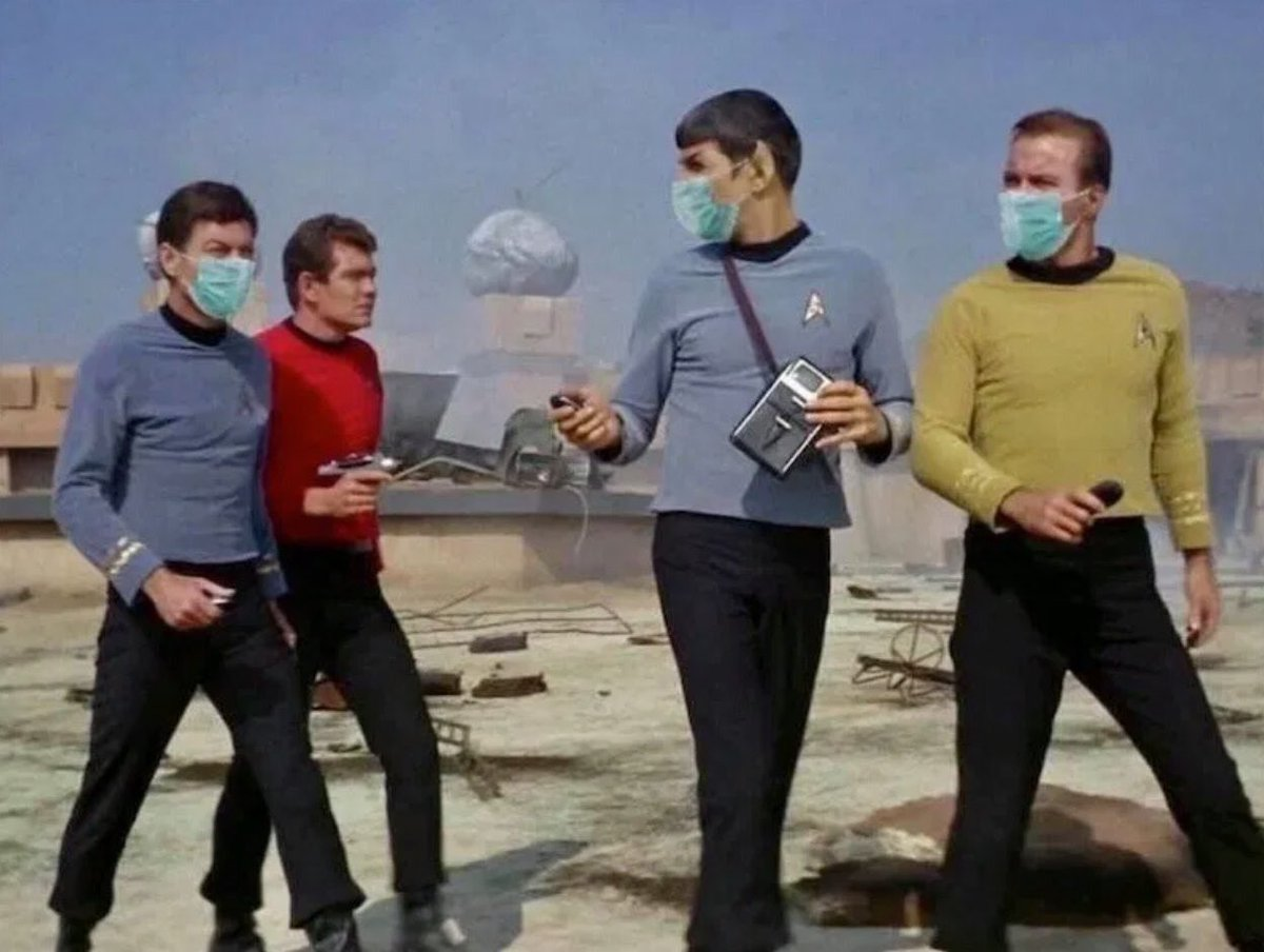 Don't be a red shirt. 😷🖖🏿 #roddenberry #masks #wearthem https://t.co/rlbXcLq0K6