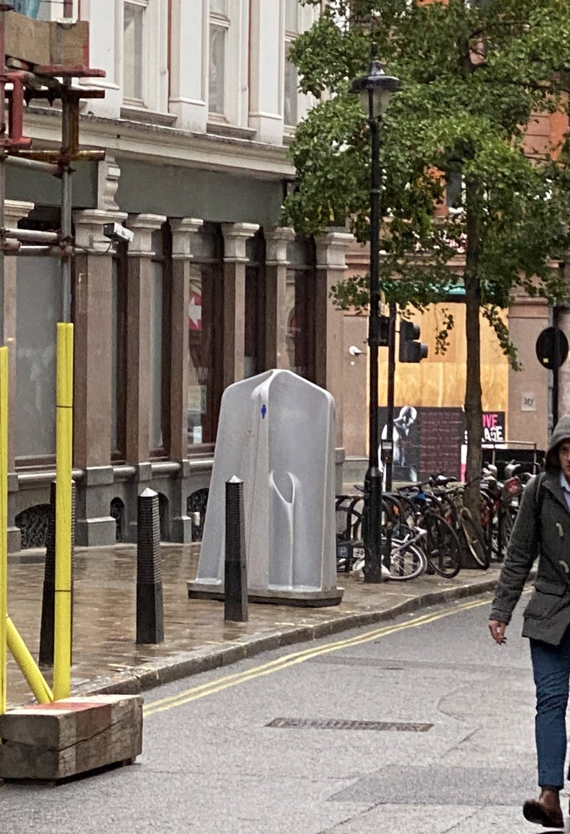 More excited than I should be to see the temporary toilets in #soho this evening. Pushed hard to get these in place for this weekend through to the end of September as we see how #pubs #bars #restaurants reopening goes @sohosocietyw1 @planforsoho  @CityWestminster @clarelynchred https://t.co/nCwAvctdDR