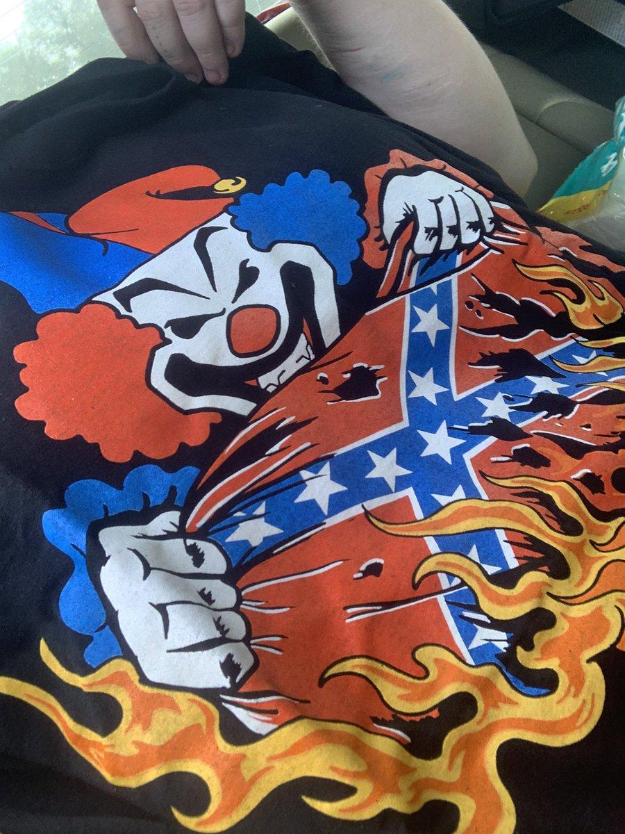 New shirt <br>http://pic.twitter.com/IykfbpEgow
