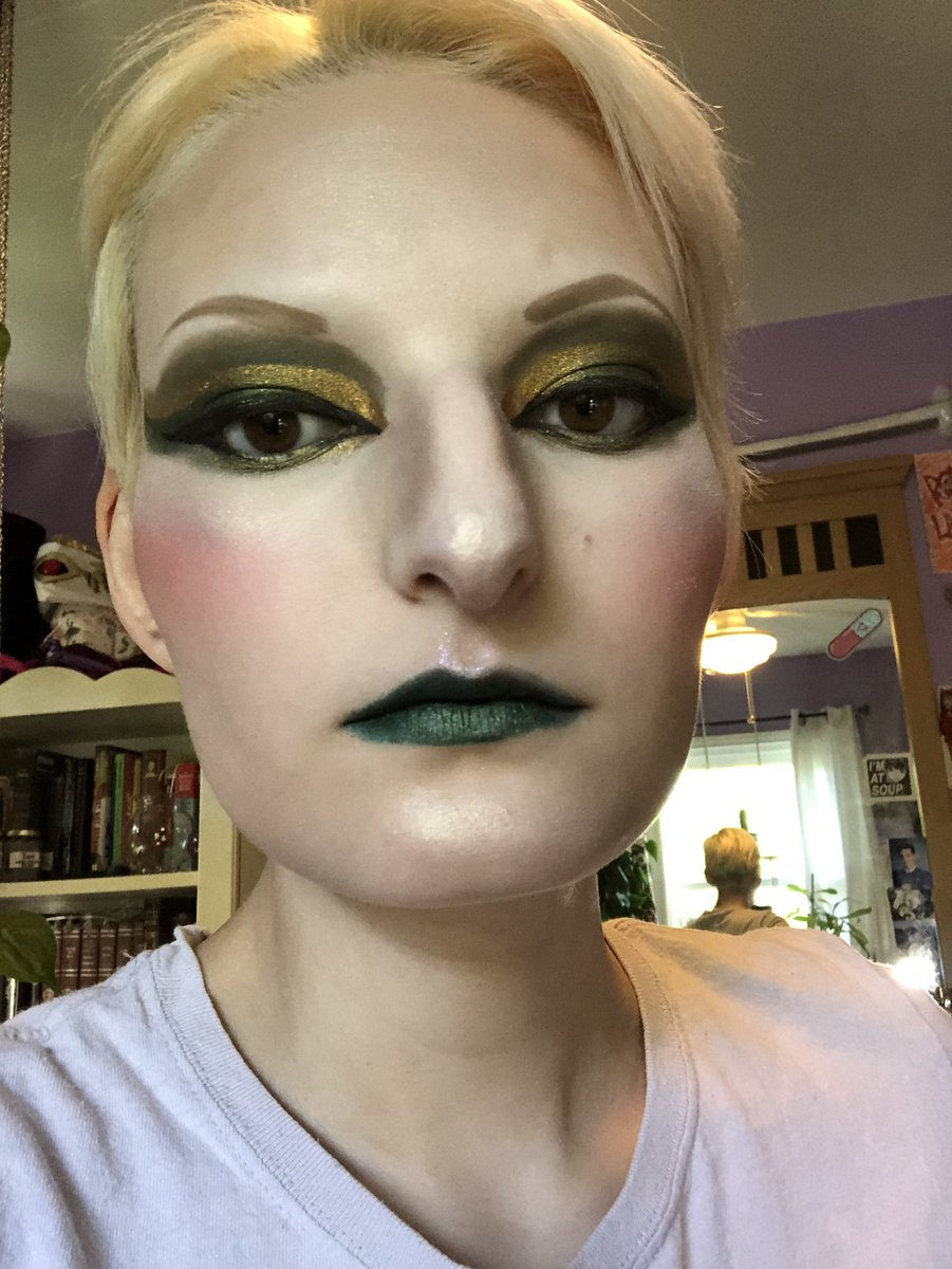 Loki'd  #makeup #makeupoftheday #makeuplook #makeuplooks #makeuplover #cosplay #cosplaymakeup #loki #ladylokipic.twitter.com/x1xDfOwnXG