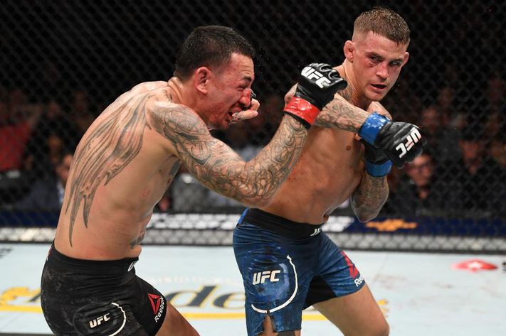 April 13th, 2019: As the main event of #UFC236, @DustinPoirier faces off against then 145lb champion @BlessedMMA. This fight followed the 2019 fight of the year that included @KelvinGastelum  and @stylebender. Poirier wins the fight via unanimous decision. #UFCFightIsland  #UFC https://t.co/vRRXgcveYy