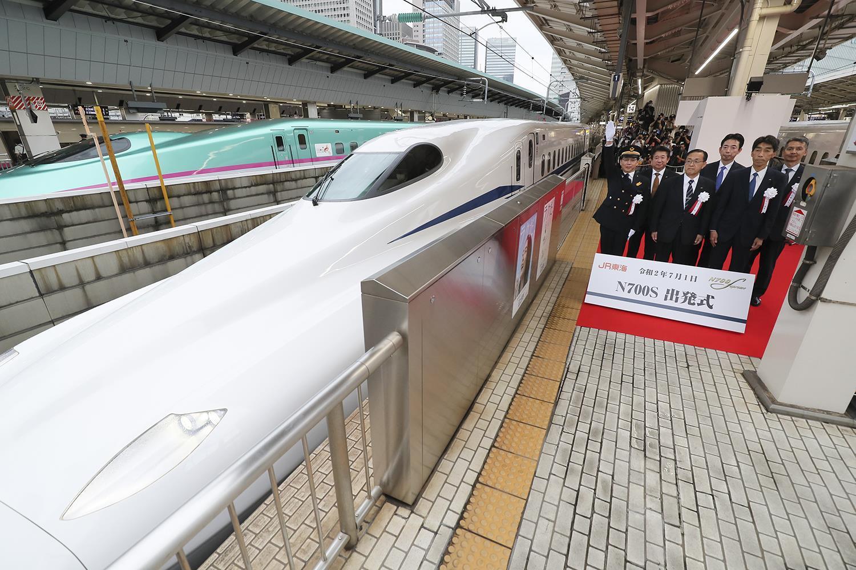 EcBE5ydXsAAkrnp?format=jpg&name=large - Shinkansen's new N700S begins service!