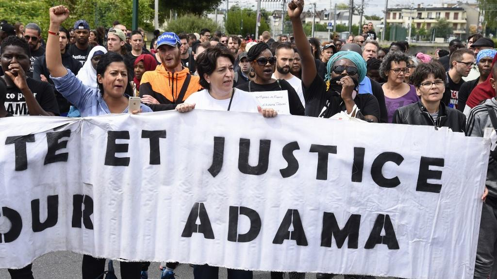 Mort d'Adama Traoré : ce que le témoin-clé a dit aux juges d'instruction lors de son audition  https://t.co/RaMLA9Z6FI https://t.co/FVZR7Gy9zJ