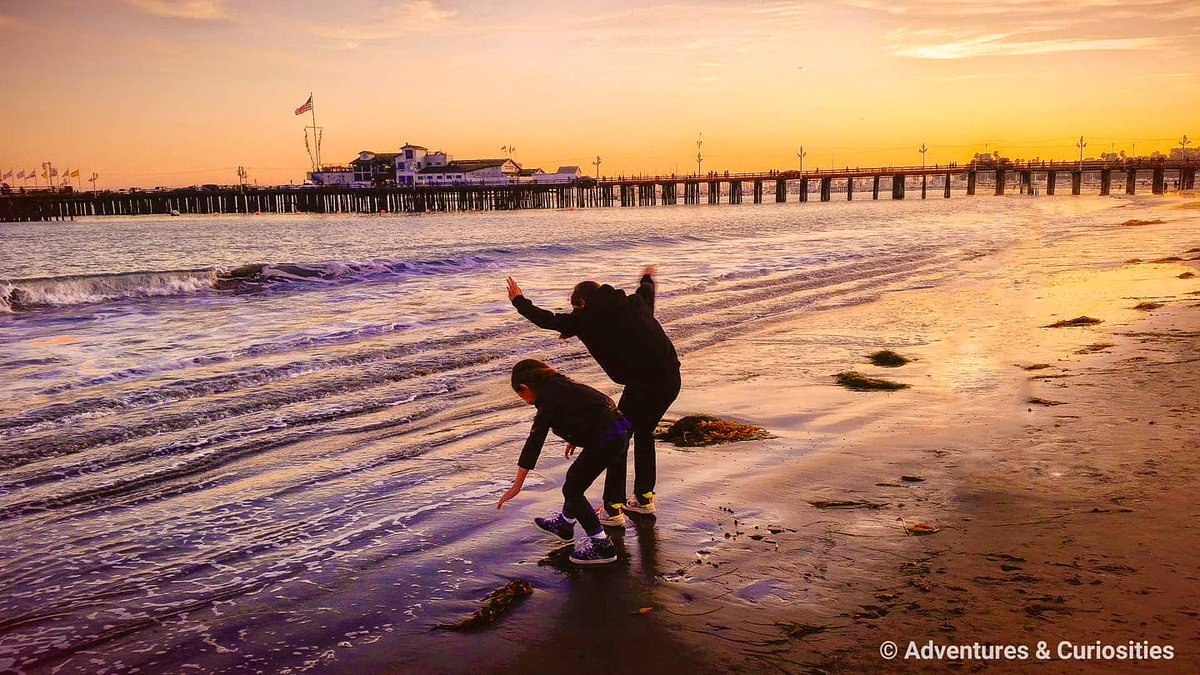 Born to chase #sunsets #adventuresandcuriosities #travel #wanderlust #adventure #artofvisuals #liveauthentic #justgoshoot #ourplanetdaily #visualsoflife #getoutside #lifeofadventure #passionpassport #familytime #sisters #llamasgirls #beach #California  https://www.instagram.com/p/CBGkcgxg1K2/?igshid=1to3l55e2uxrq…pic.twitter.com/xwepnV7u0u
